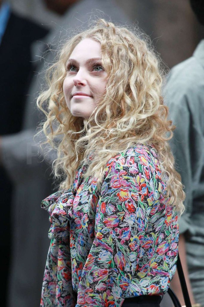 AnnaSophia Robb was on set in NYC while filming The Carrie Diaries.