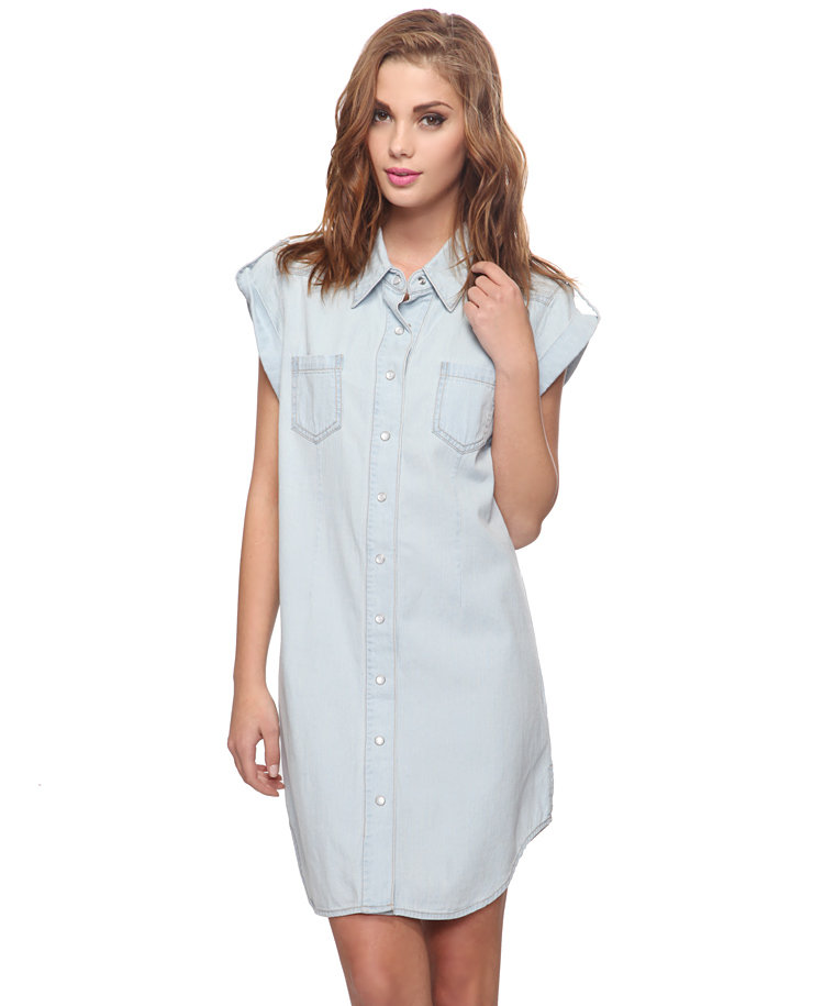 For laid-back days, don a crisp denim shirtdress and raffia sandals. Forever21 Denim Shirtdress ($20)