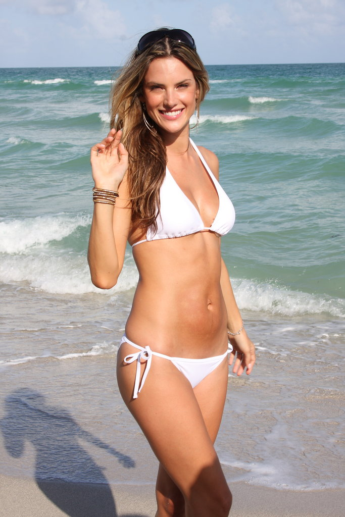 Alessandra Ambrosio in Miami Beach in November 2008.