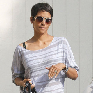 Halle Berry Engagement Ring Pictures