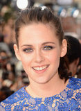 Kristen Stewart kept her makeup on the soft side, opting for a subtle smoky eye and nude lips.