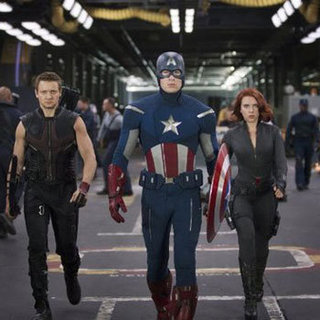 The Avengers Free Early Fan Screenings