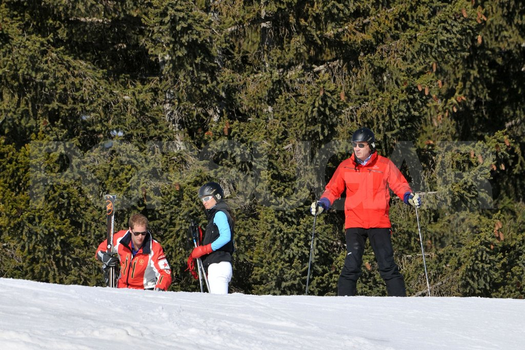 Michael Middleton with Pippa Middleton and George Percy on a ski vacation in France.