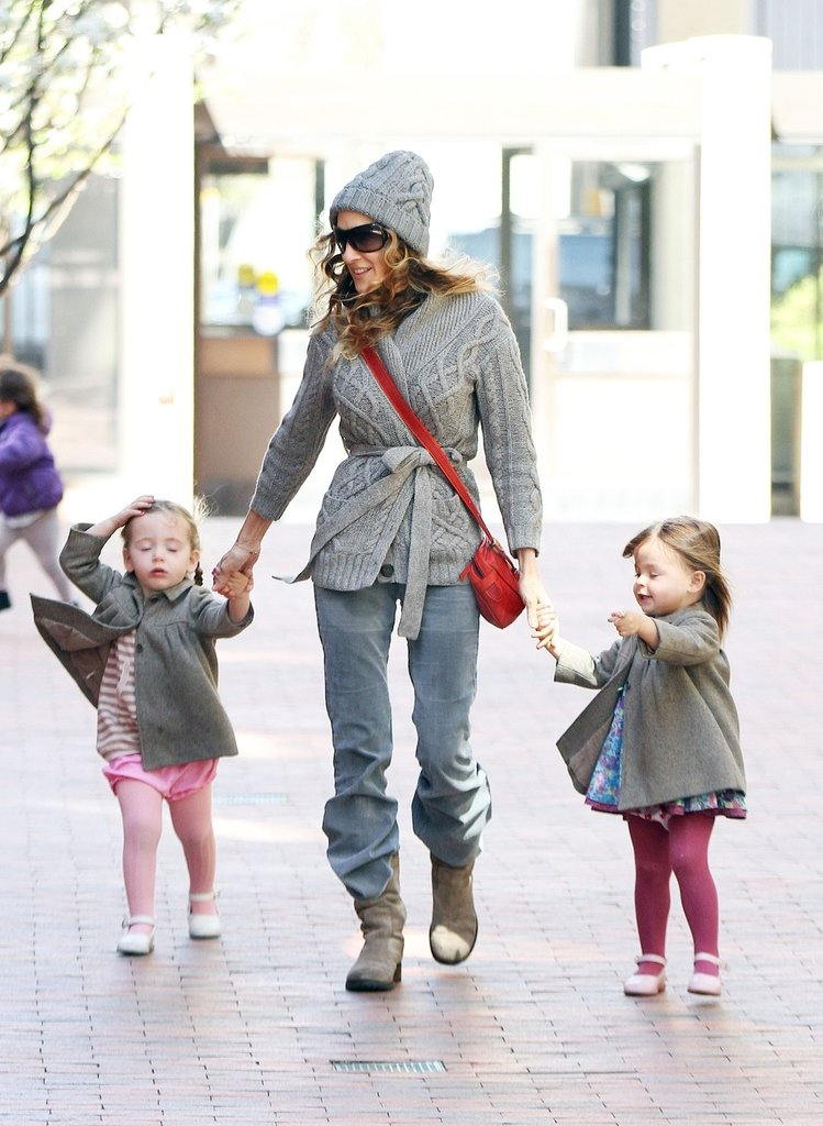Sarah Jessica Parker held her daughters' hands in NYC.