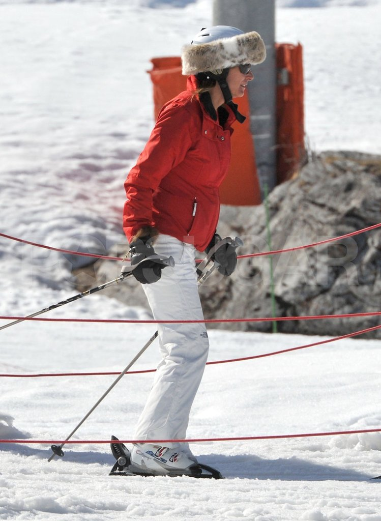 Carole Middleton wore a fur hat while skiing down the mountain in France.