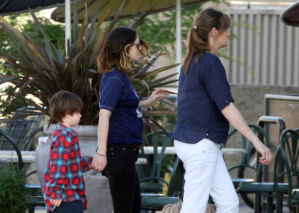 Drew Barrymore went shopping with two friends.