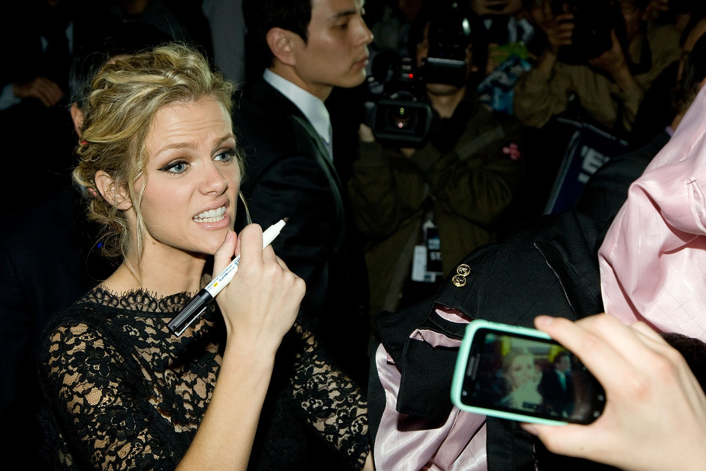 Brooklyn Decker greeted fans.