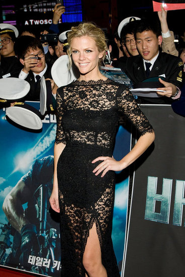 Brooklyn Decker wore femmes d'armes.