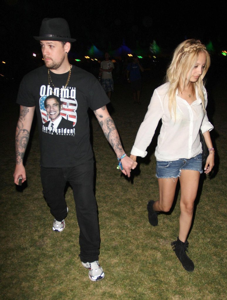 Nicole Richie and Joel Madden held hands on their way into the 2008 festival.