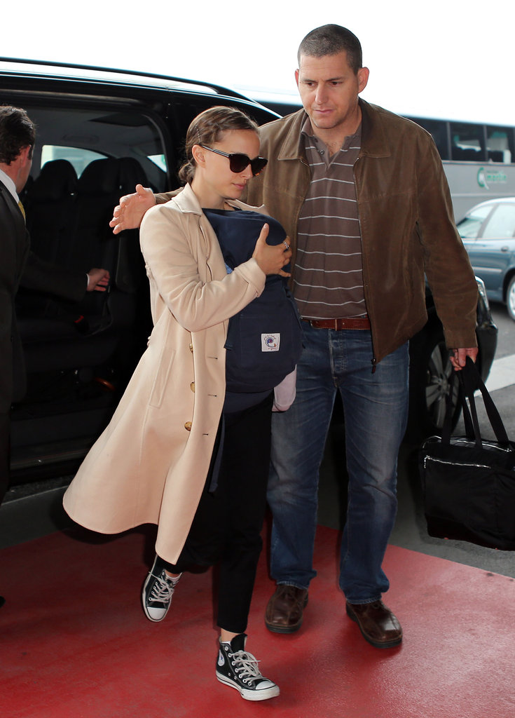 Natalie Portman got out of a car with son Aleph in a carrier at the airport in Paris.