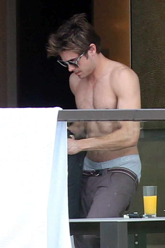 Zac Efron Goes Shirtless in Sydney