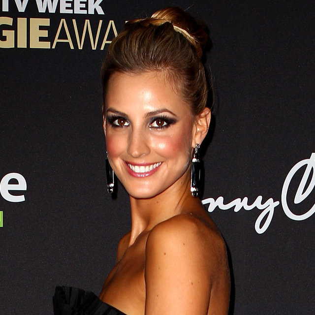 Laura Dundovic's Hair and Makeup at the 2012 Logie Awards