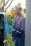 Gwen Stefani showed up to her parent's house with flowers in hand to celebrate Easter.