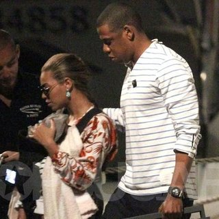 Beyonce and Jay-Z With Blue on a Yacht in St. Barts Video