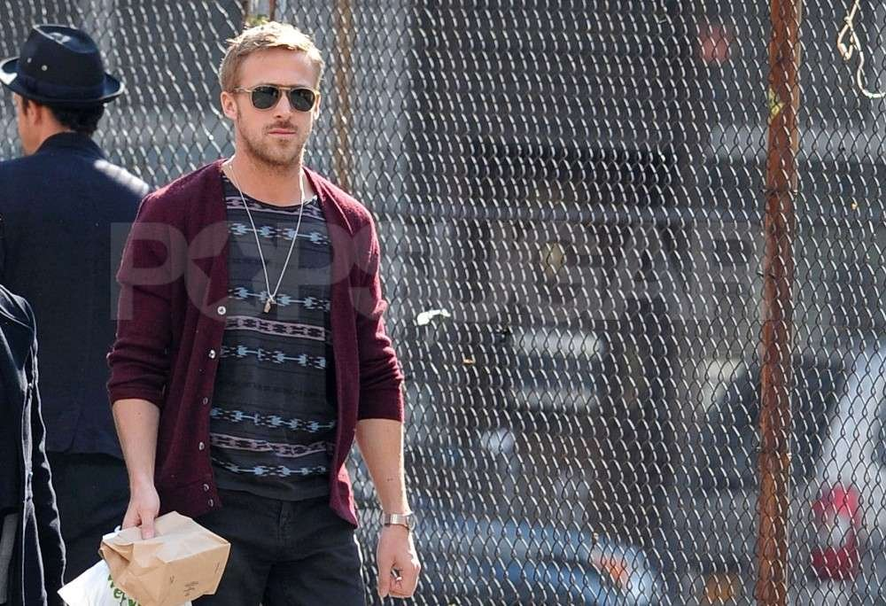 Ryan Gosling dined out for lunch in NYC.