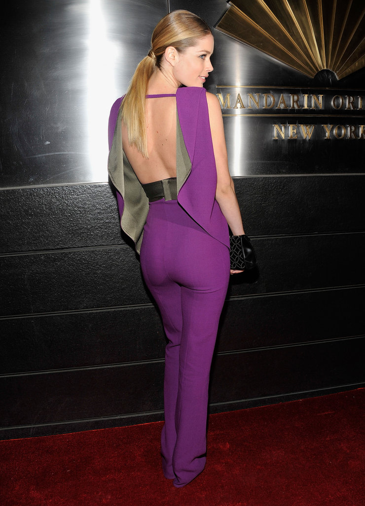 A back view of Doutzen's look.