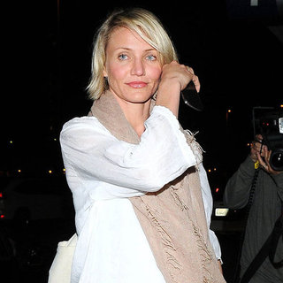 Cameron Diaz White Tunic at LAX Pictures