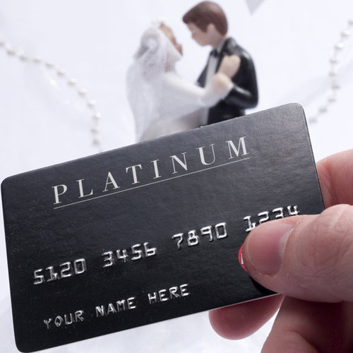 Savvy's hooking you up with tips on the best credit cards for your wedding expenses.