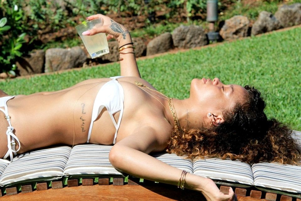 Rihanna wore her bikini on vacation.