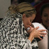 Kate Hudson Kissing Bing Bellamy at LAX Pictures