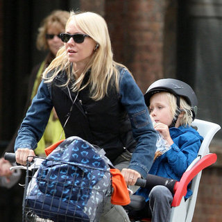 Naomi Watts Bicycle Pictures With Sasha Schreiber