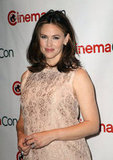 Jennifer Garner posed for photographers at CinemaCon.