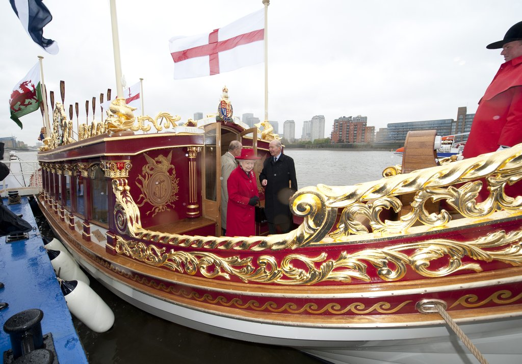 The barge was built to mark her 60 years on the throne.