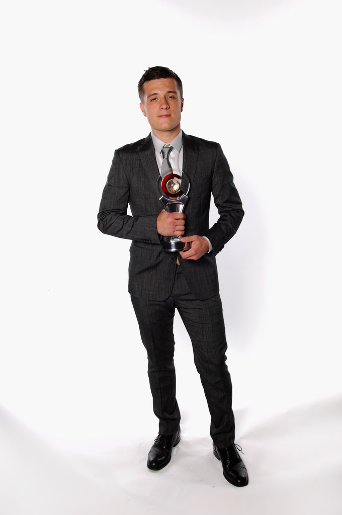 Josh Hutcherson posed with his award at CinemaCon awards ceremony in Las Vegas.