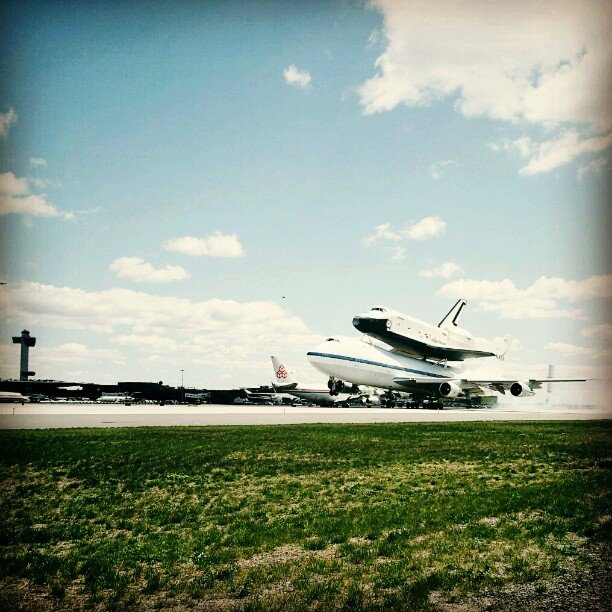 Landing safe and sound.  Source: Instagram User nightswave