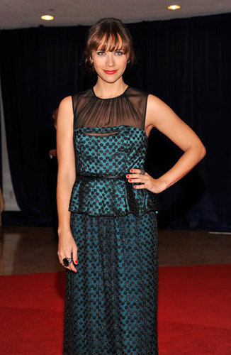 Rashida Jones looked gorgeous in black and teal.