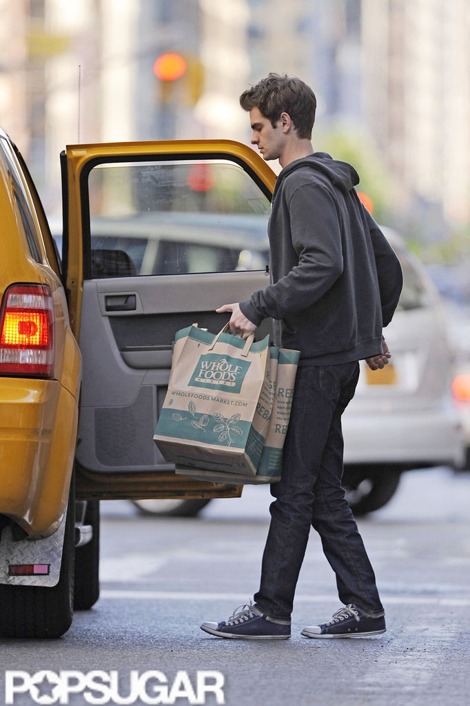 Andrew Garfield hopped into a taxi after grocery shopping in NYC.