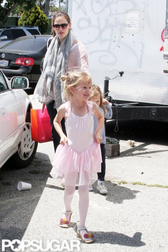 Jennifer Garner helped Seraphina Affleck and Violet Affleck to the car after a ballet class in LA.