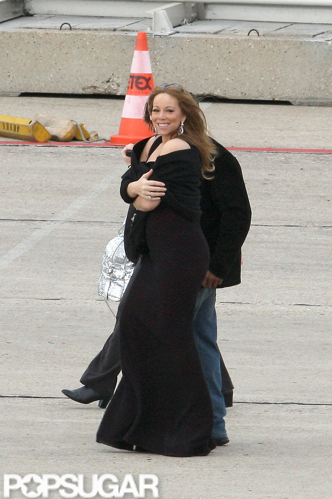 Mariah Carey traveled through the airport in Paris.
