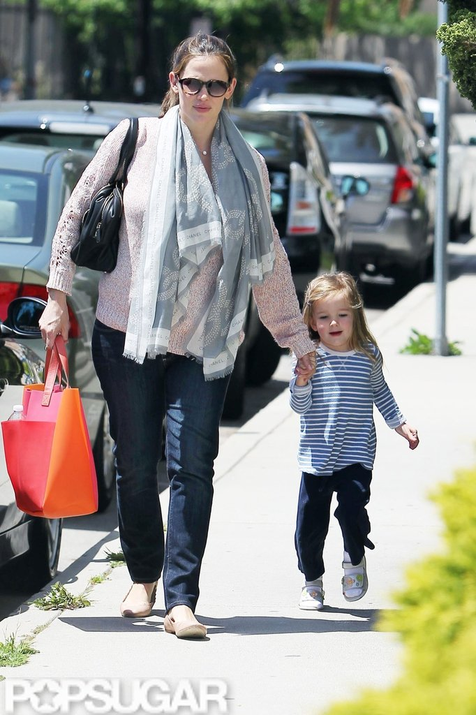 Jennifer Garner and Seraphina Affleck spent some quality time together on their way to pick up Violet Affleck from LA.