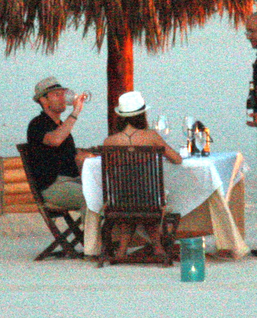 Ryan Seacrest and Julianne Hough dined alfresco in September 2010.