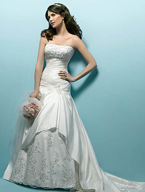 beautiful long wedding dress