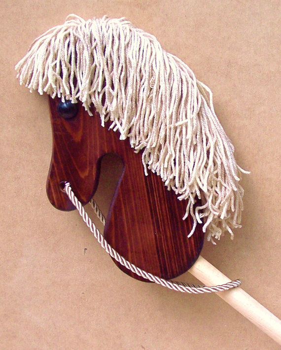 Weaverwood Broomstick Horse