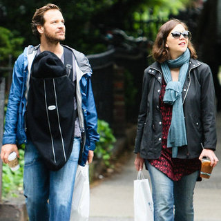 Peter Sarsgaard Maggie Gyllenhaal Pictures With Daughters