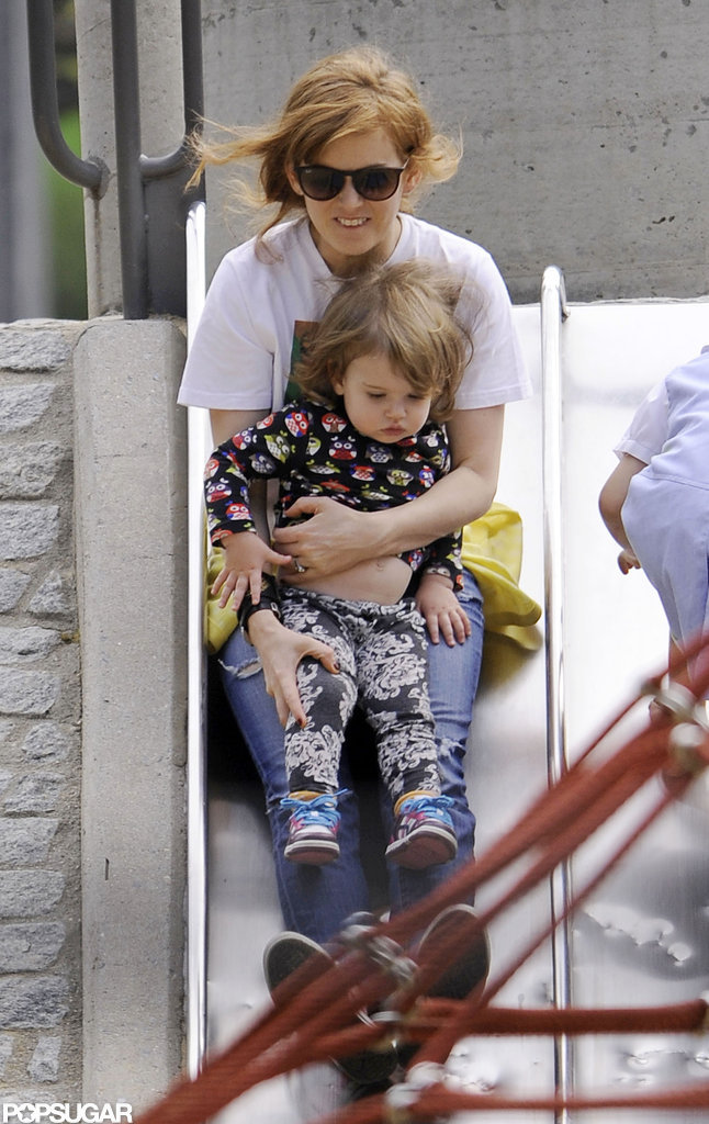 Isla Fisher and Elula went down a slide.