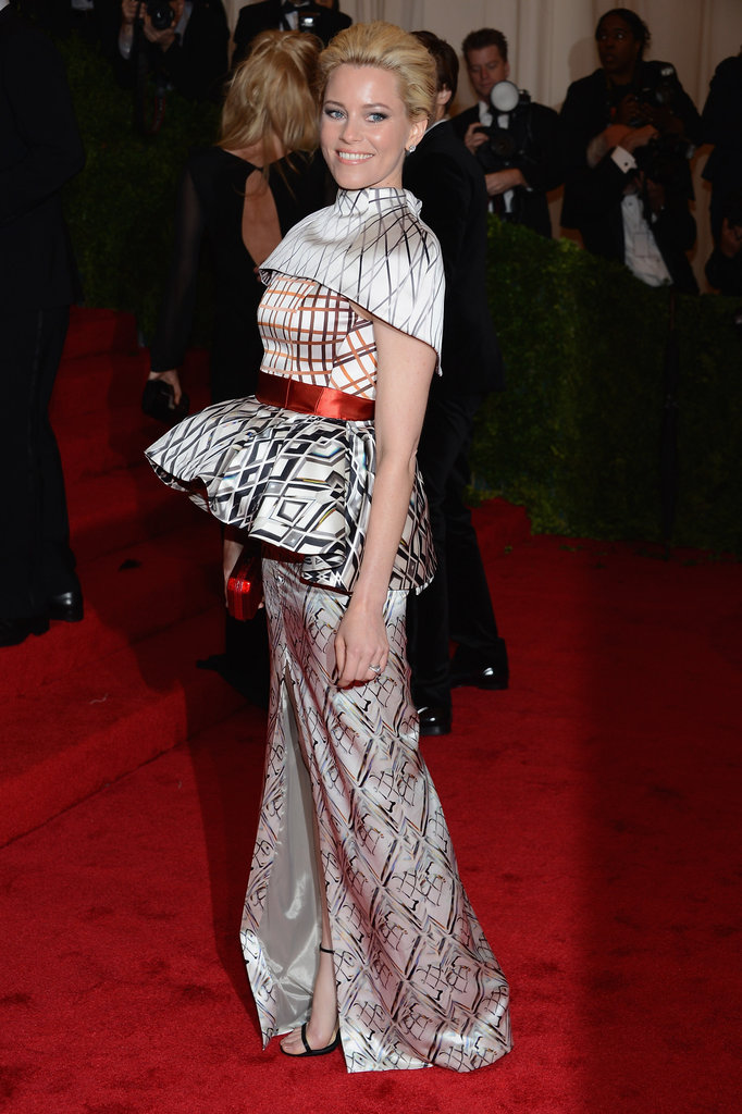 Elizabeth Banks in Mary Katrantzou.