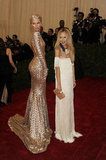 Karolina Kurkova showed off her glamorous look next to stylist Rachel Zoe.