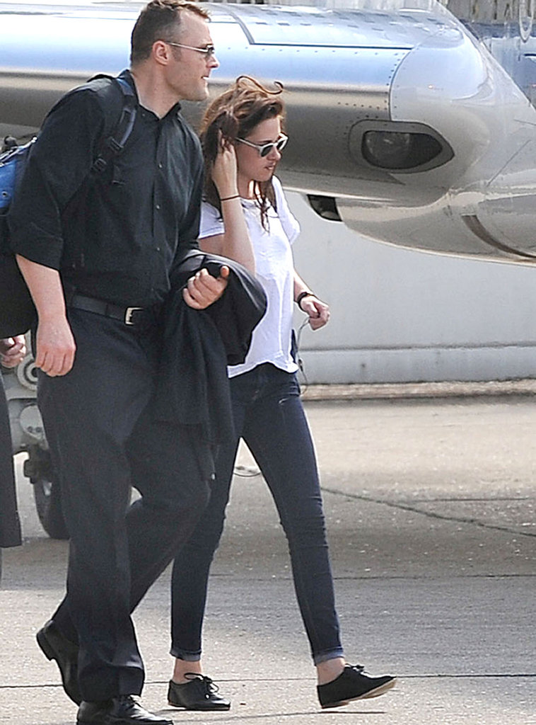 Kristen Stewart arrived for her flight out of Paris.