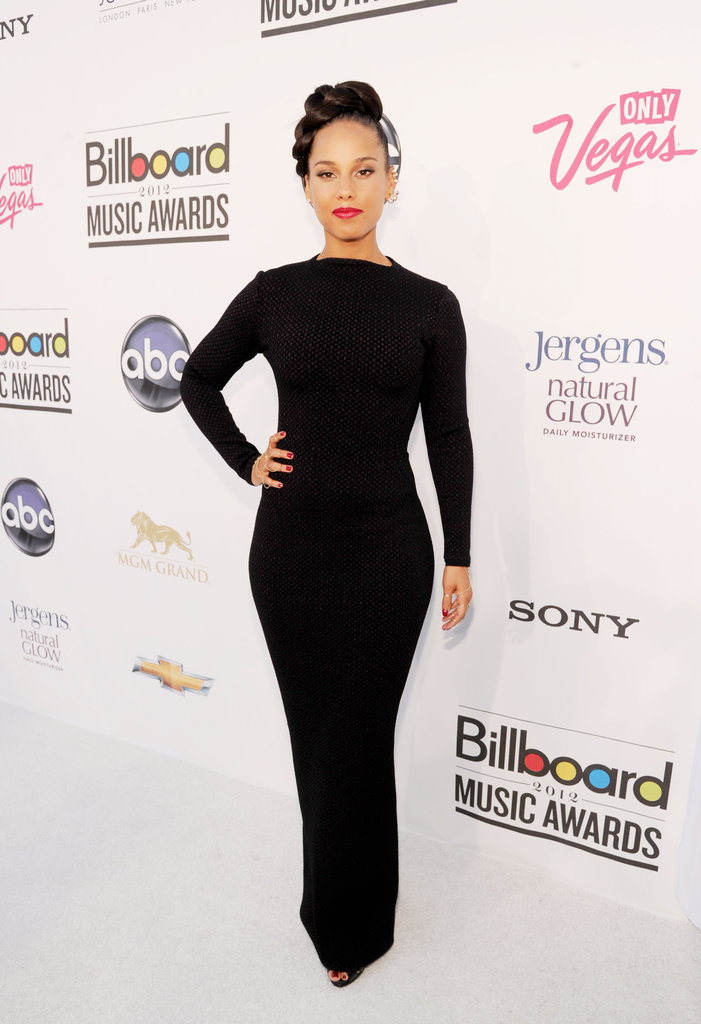 Alicia Keys wore a slinky, albeit totally covered-up, black dress that proved a svelte choice at this year's Billboard Music Awards.