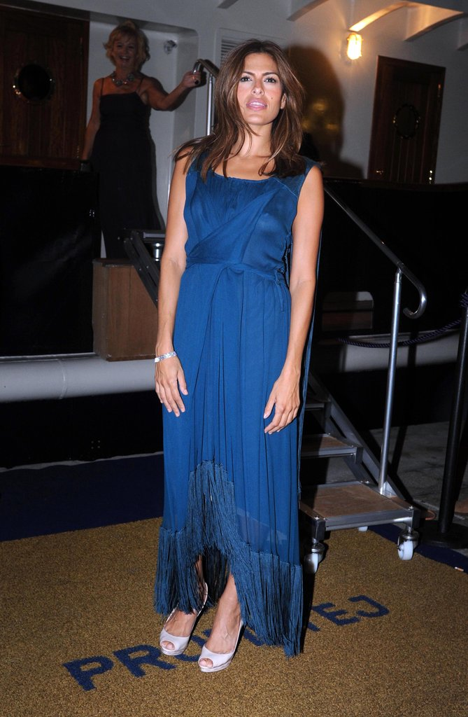 Eva Mendes stepped onto a yacht for a party during the Venice Film Festival in September 2009.