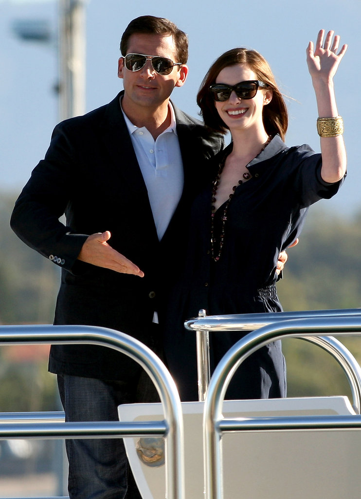 Anne Hathaway and Steve Carell promoted Get Smart around Australia by boat in June 2008.