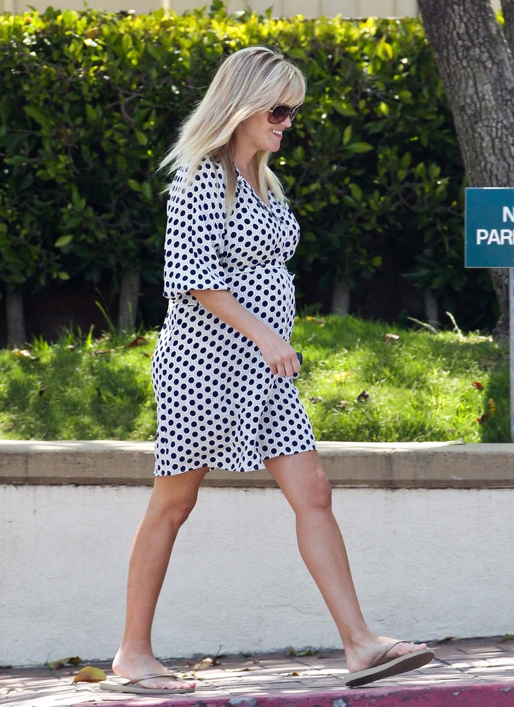 Reese Witherspoon smiled while picking her kids up from school in LA.