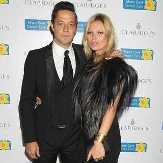 Kate Moss Marie Curie Cancer Fundraiser Pictures