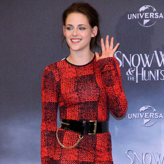 Kristen Stewart Snow White and the Huntsman Berlin (Video)
