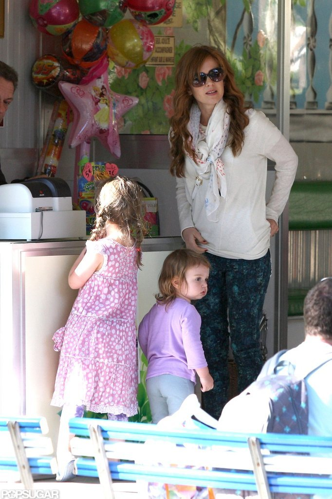 Isla Fisher got treats for Olive and Elula Cohen.