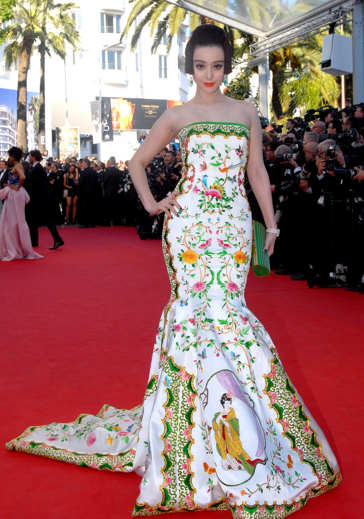 Chinese actress and model Fan Bingbing made a dramatic arrival at the Moonrise Kingdom premiere in an embroidered Christopher Bu gown.